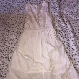 Francesca's white front lace highlow size xs